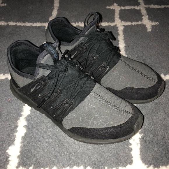 le adidas tubulare, scarpe da ginnastica poshmark radiale